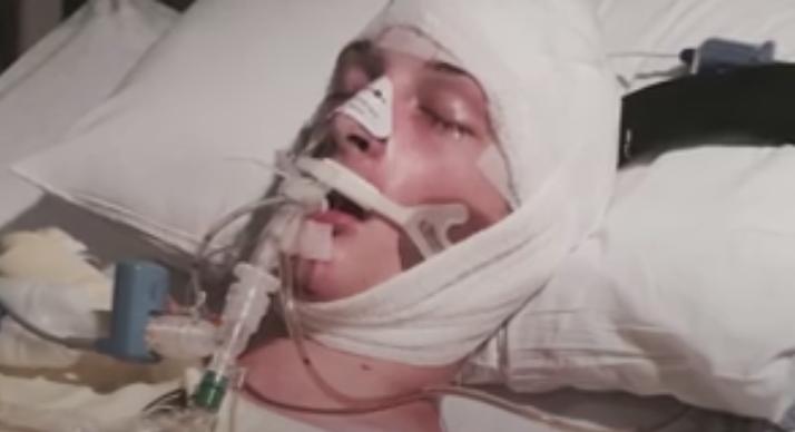 L-a bagat in coma, iar apoi l-a trantit cu fata de asfalt. Tratamentul aplicat de un politist unui tanar tras pe dreapta