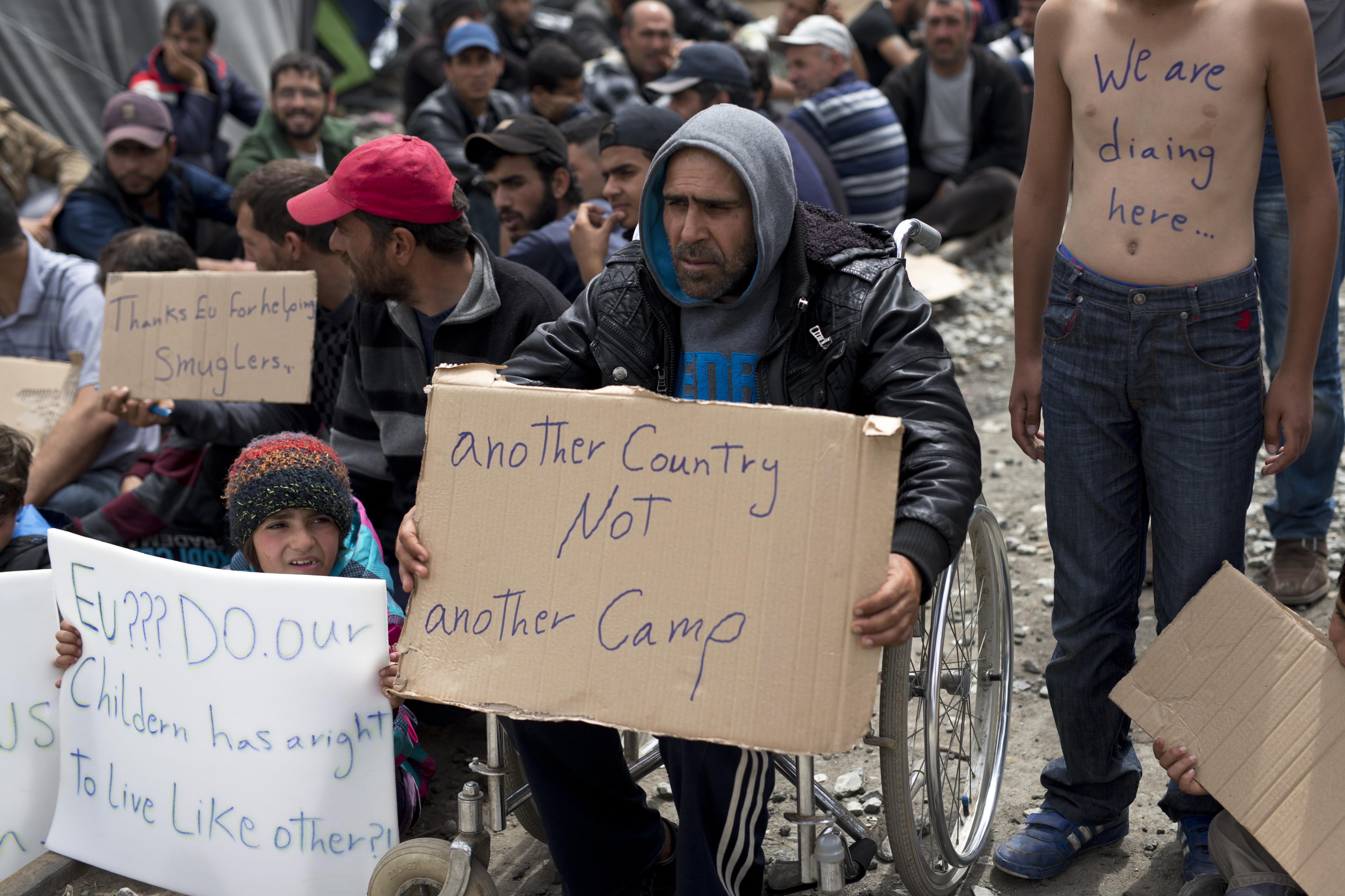 Opt refugiati, printre care patru copii, impuscati de graniceri turci in timp ce incercau sa fuga din Siria. Reactia Turciei