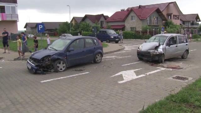 O femeie insarcinata in 8 luni a provocat un grav accident in Botosani. Tanara a intrat in travaliu imediat dupa incident