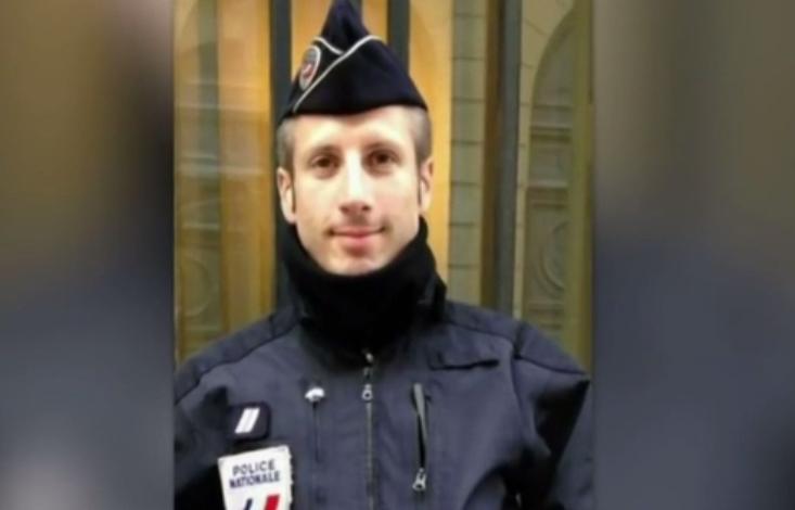 Politist mort in atentatul din aprilie de pe Champs-Elysee, casatorit post-mortem. Hollande a participat la ceremonie