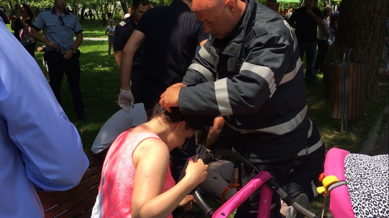 Barbat ranit grav de o creanga rupta, in parcul IOR. Autoritatile stiau ca sunt probleme cu copacii necuratati