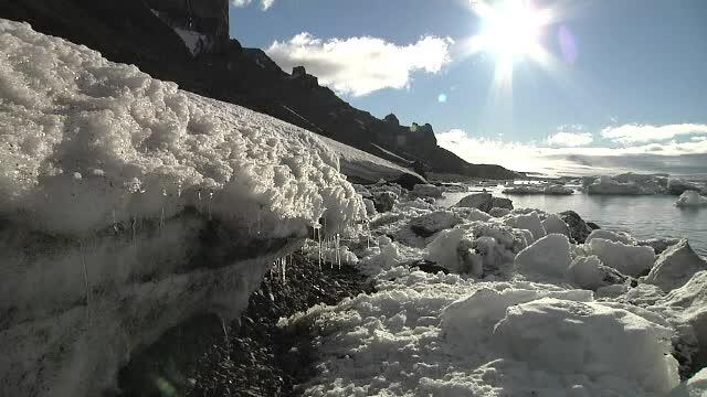 Fisura uriasa in calota glaciara de la Polul Sud. Intreg continentul inghetat ar putea fi afectat