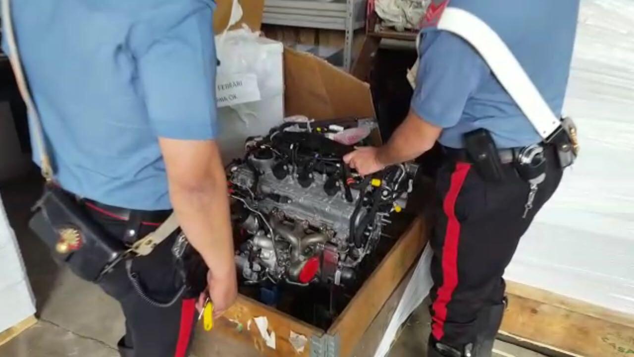 Doi romani, arestati in Italia dupa ce au furat 50 de motoare de Ferrari. Ce voiau sa faca cu ele