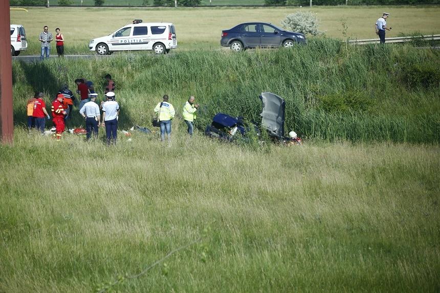 Accident grav pe E85. Doi oameni au murit iar 3 sunt grav raniti, dupa ce o masina a iesit de pe sosea