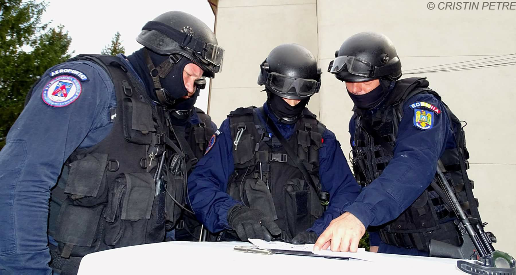 Statiunea Cheia, aparata de patrule de jandarmi in vacanta de Rusalii. Oamenii se tem de un urs care a facut prapad in curti