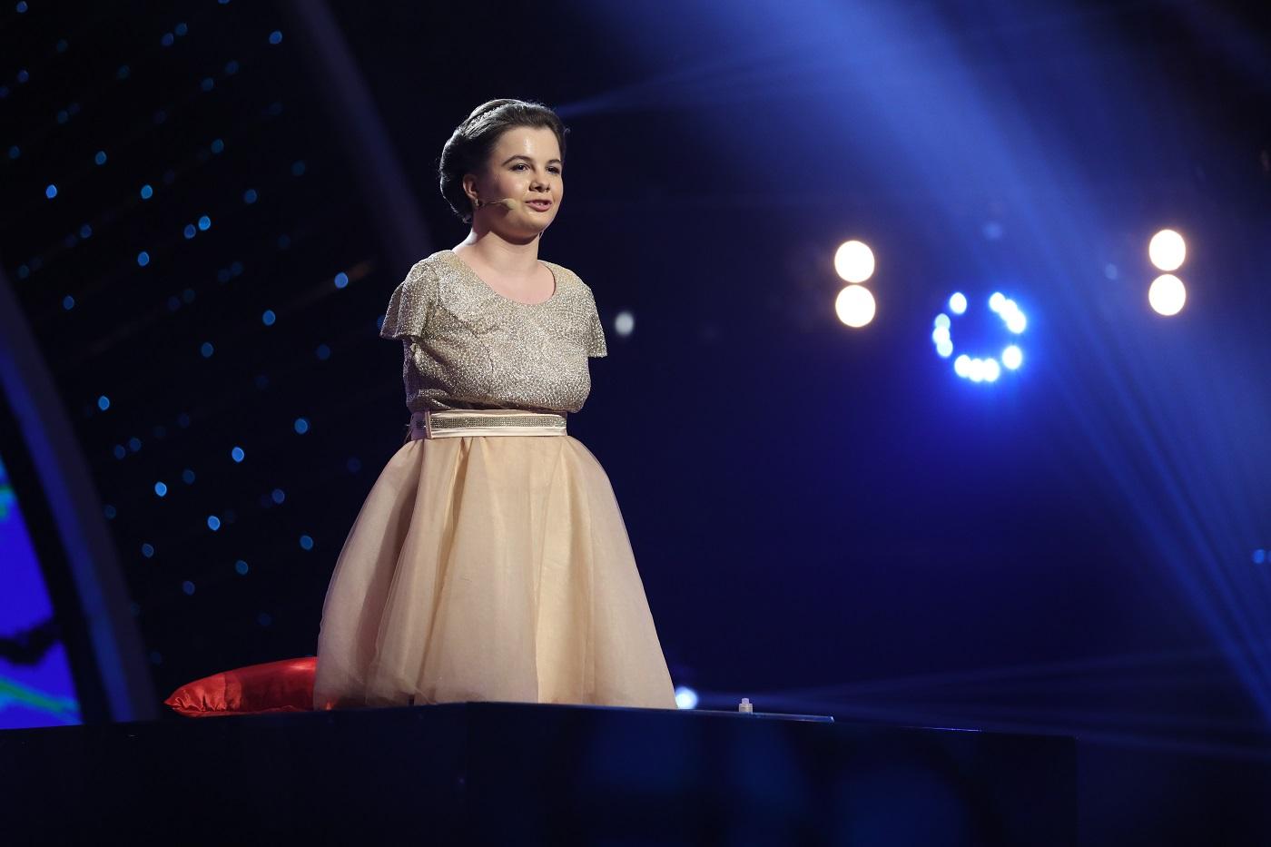 Lorelai Mosnegutu, tanara fara maini care canta la pian, a castigat