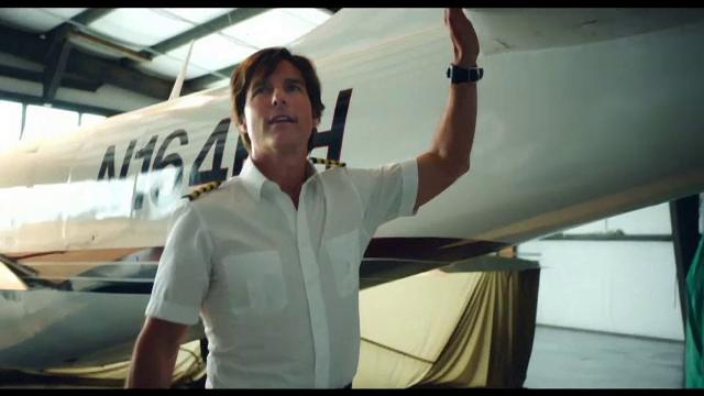Tom Cruise, in rolul pilotului CIA care a incercat sa il prinda pe Pablo Escobar. Trailer-ul filmului