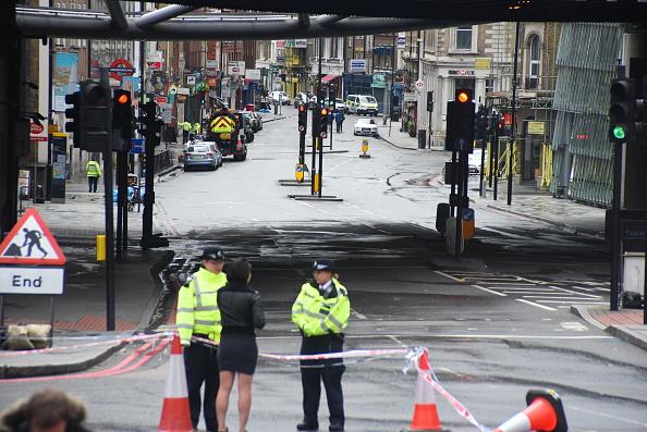 Soferii care si-au abandonat masinile in atentatul de pe London Bridge, amendati pentru parcare ilegala