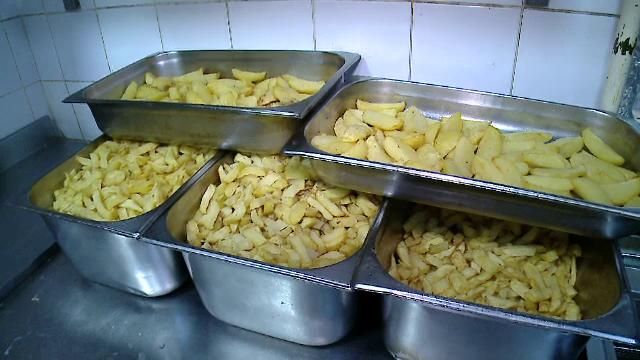 Un roman mananca anual aproape 100 de kg de cartofi. Secretul care i-a adus faima unui restaurant din centrul Capitalei