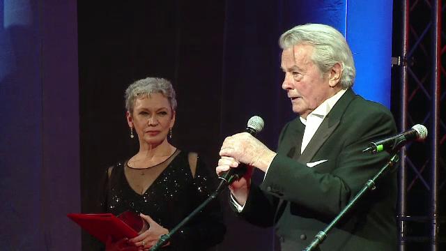 Alain Delon premiat pentru intreaga activitate la festivitatea de inchidere a TIFF 2017.