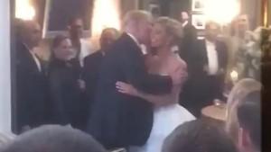 Donald Trump a dat buzna la o nunta sarbatorita intr-un club al sau in New Jersey. Reactia invitatilor cand l-au vazut. VIDEO