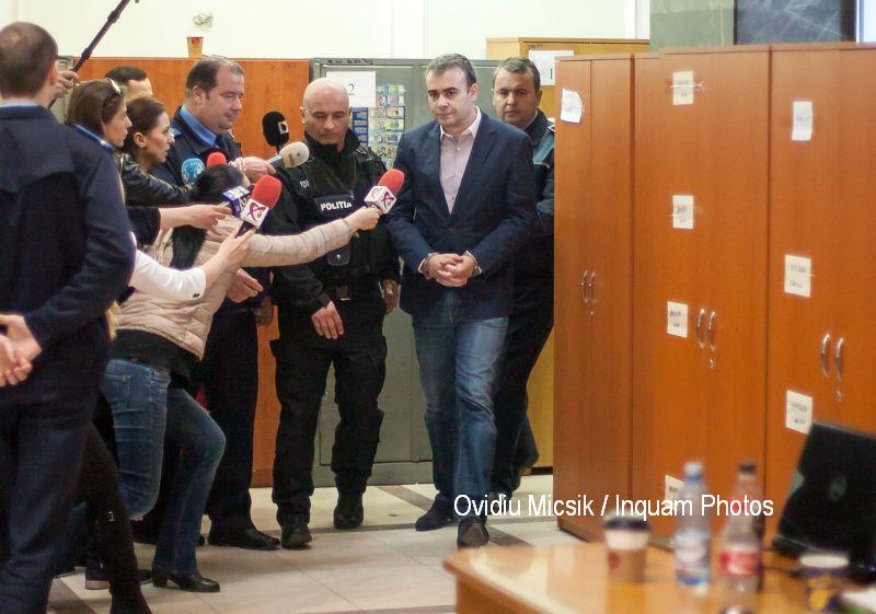 Darius Vâlcov, pus sub control judiciar pentru documentul secret postat pe Facebook
