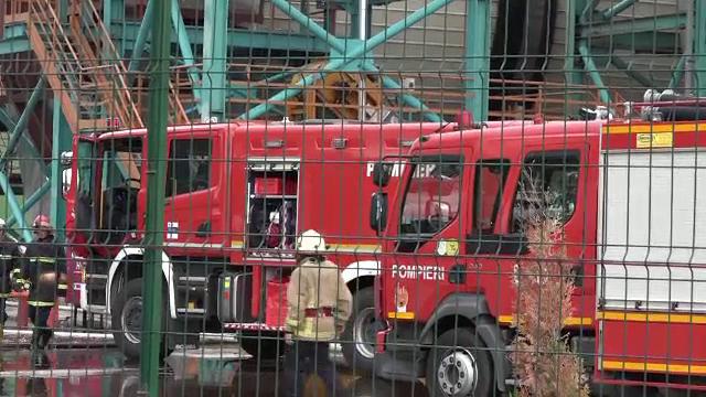 O explozie urmata de un incendiu a produs panica la Reghin. 50 de pompieri au intervenit de urgenta cu 10 autospeciale