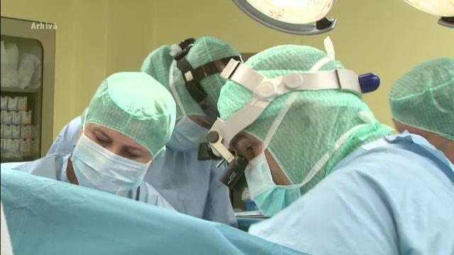 O femeie din Botoșani bolnavă de Covid a fost operată pentru că tușea