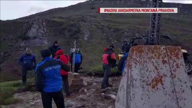 O drumetie s-a sfarsit tragic pentru un bucurestean de 35 de ani. Turistul a cazut intr-o prapastie de peste 300 de metri