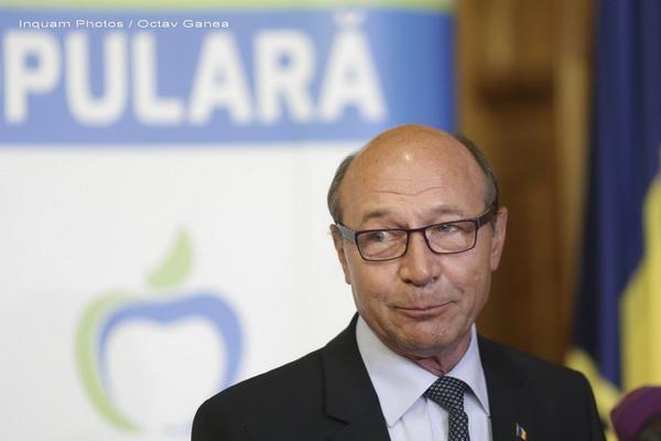 Dosar penal in rem în legătură cu declaraţiile lui Băsescu privind colaborarea cu Securitatea