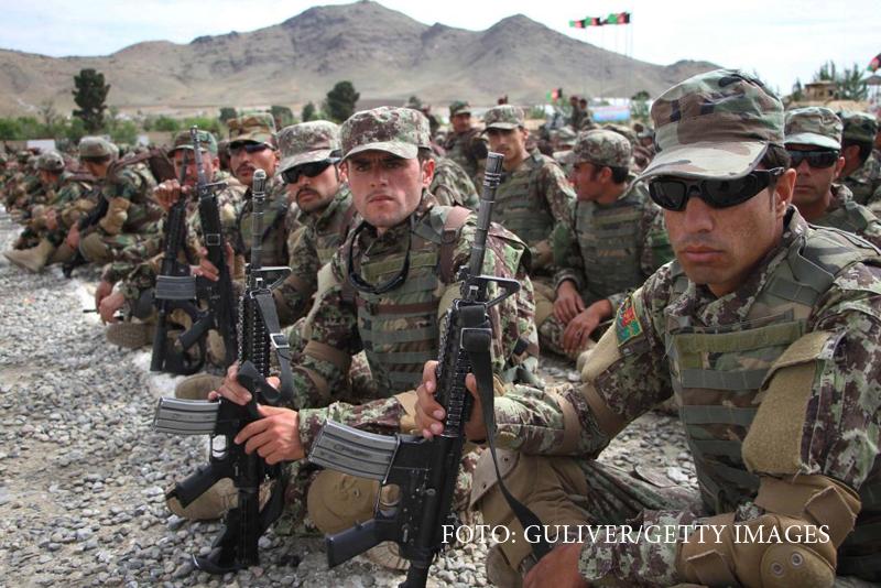 Americanii au aruncat milioane de dolari pe uniforme inutile pentru armata afgana.