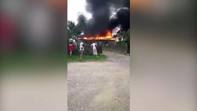 Un incendiu urias a mistuit o brutarie, in Satu Mare. De la ce au izbucnit flacarile