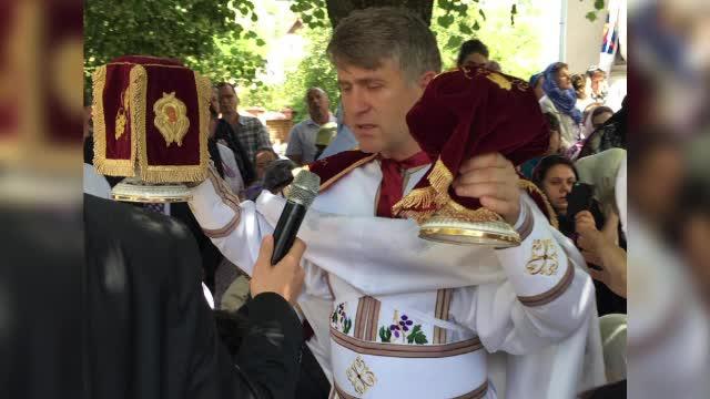 Tanarul care l-a inregistrat pe preotul Pomohaci traieste in Germania. Parintele se declara nevinovat si acuza o inscenare