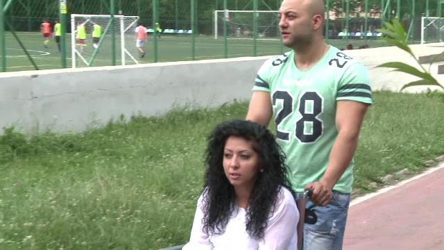 Paralizata in urma unui accident, o tanara din Sibiu are nevoie disperata de ajutor pentru o operatie care i-ar reda mersul