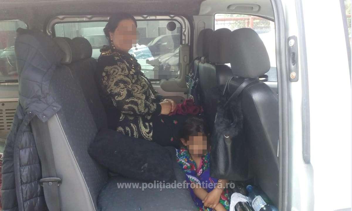 Minoră ascunsă sub fusta mamei, depistată la frontiera româno-ungară