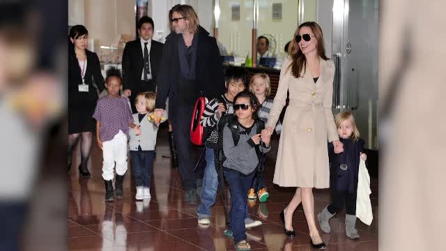 Angelina Jolie, somată de instanță să-l lase pe Brad Pitt să stea mai mult cu copiii