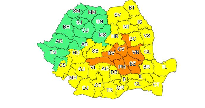 Cod portocaliu de ploi în 6 județe și galben în aproape toată țara, miercuri. Prognoza până sâmbătă