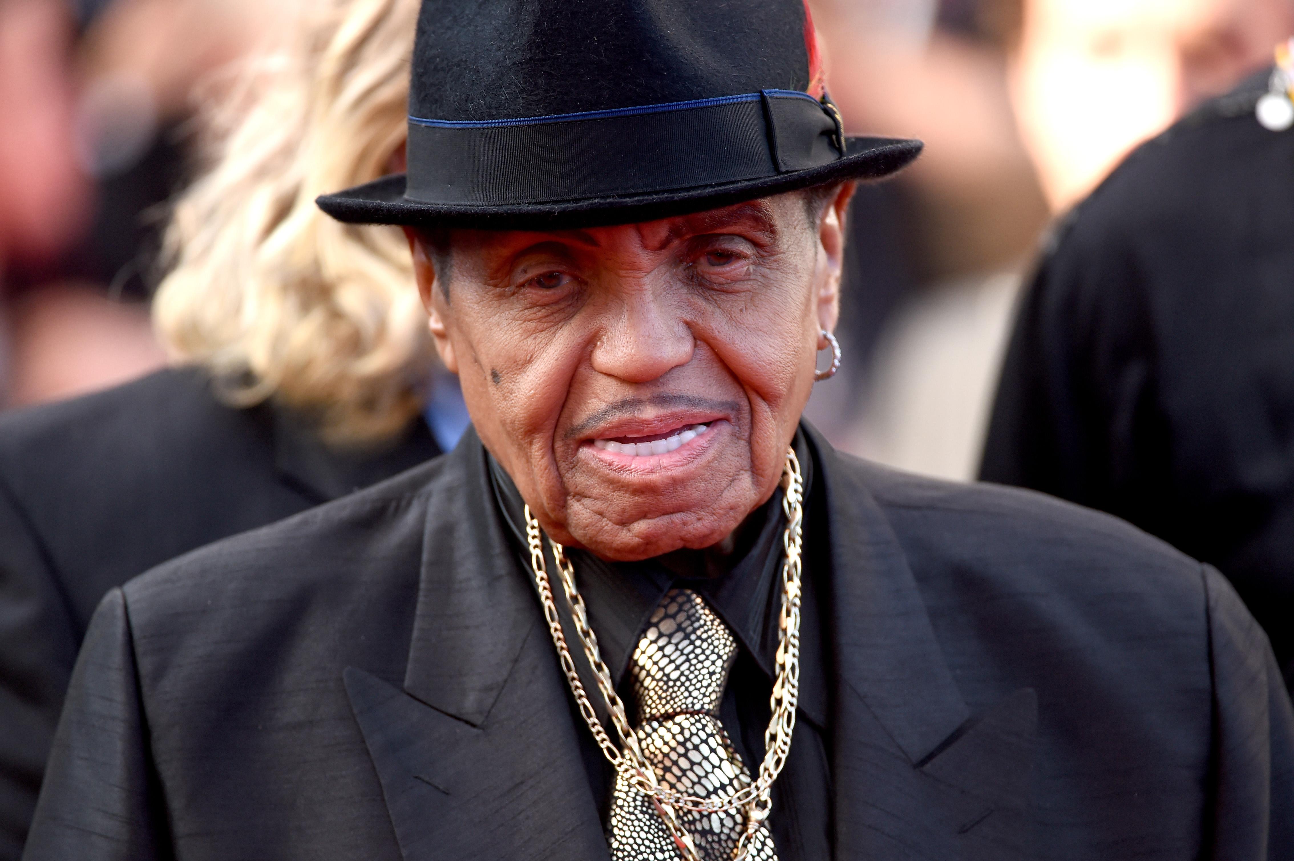 Tatăl lui Michael Jackson, Joe, a murit la 89 de ani. El se înstrăinase de familie