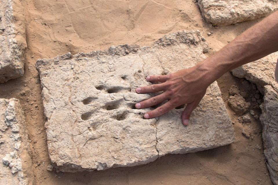 Urme misterioase de degete, găsite într-un sit arheologic din Abu Dhabi