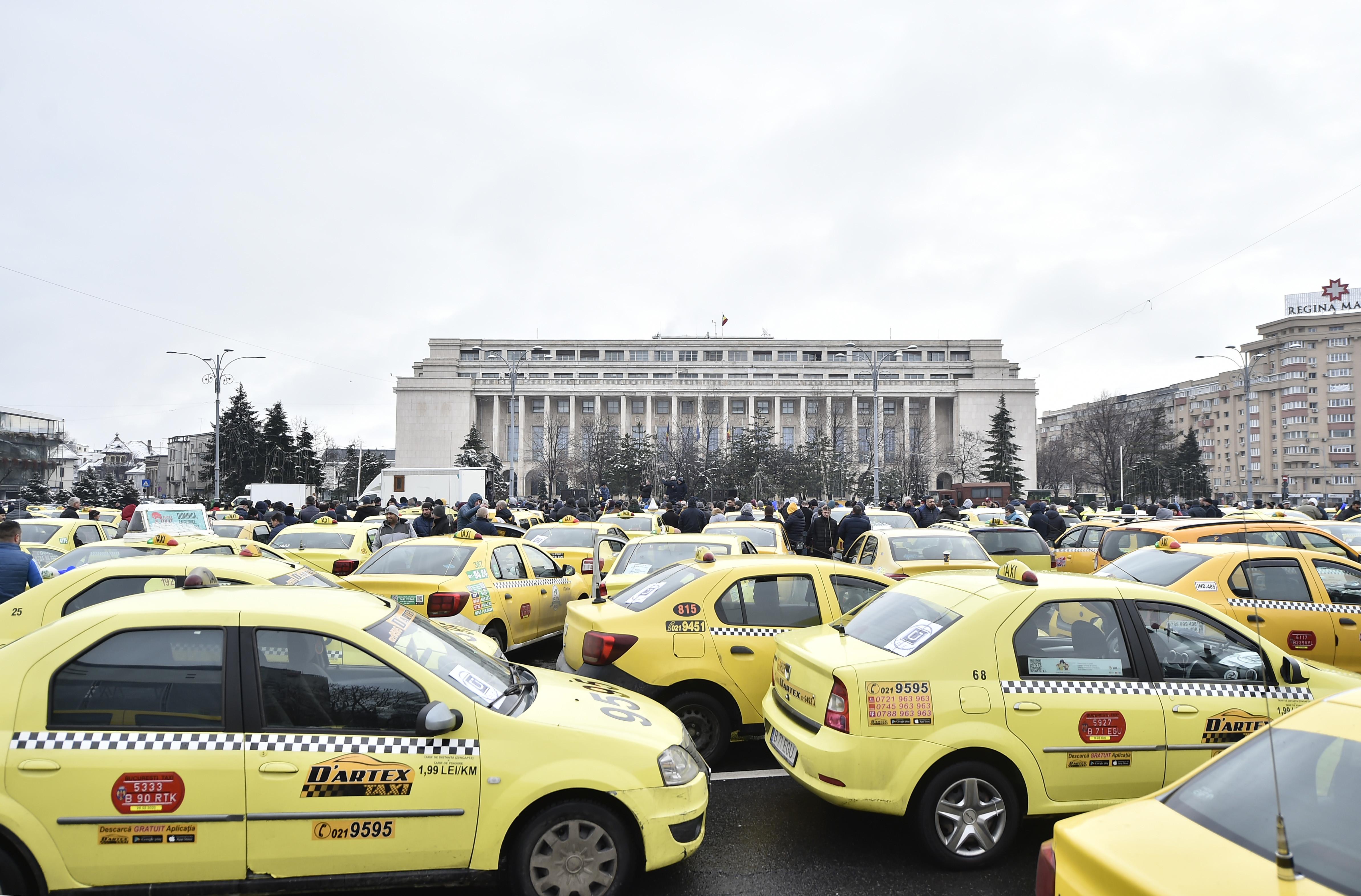 Protest cu 800 de mașini marți în Piaţa Constituţiei din Capitală față de ridesharing