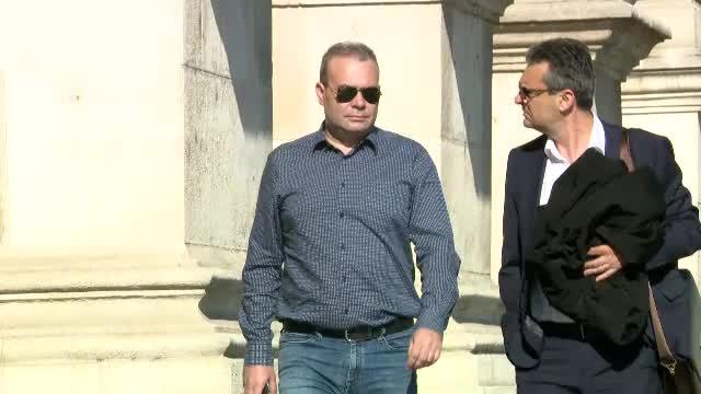 Darius Vâlcov a scăpat de controlul judiciar. Vrea să-și ducă fiica în tabără în Elveția