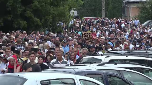Procesiune impresionantă la Suceava. 5.000 de pelerini, pelerinaj la moaştele cu racla Sfântului Ioan cel Nou