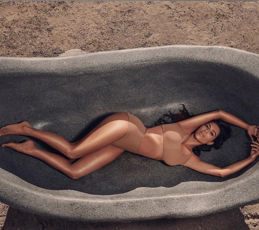 Imaginile cu Kim Kardashian care nu lasă loc imaginației. Cum s-a pozat în Costa Rica FOTO