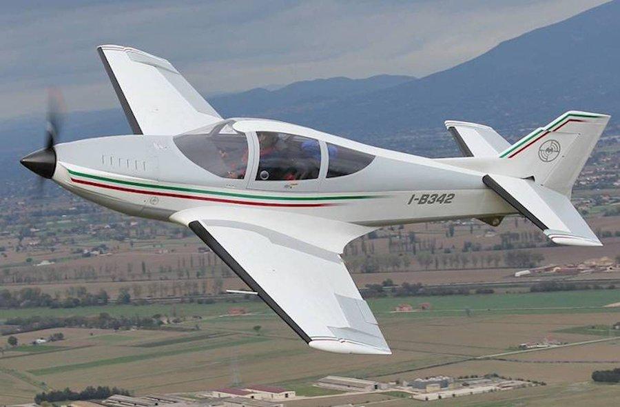 Doi tineri au decedat într-un accident aviatic în Italia
