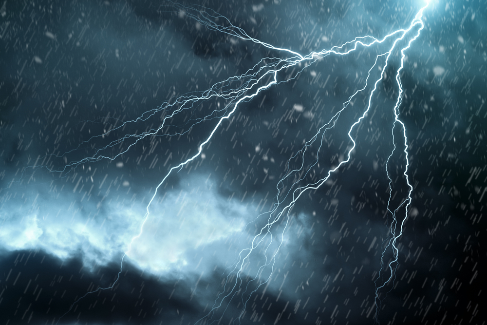 Vremea azi, 24 iunie. Unde vor fi ploi și descărcări electrice și unde se vor atinge 30 de grade