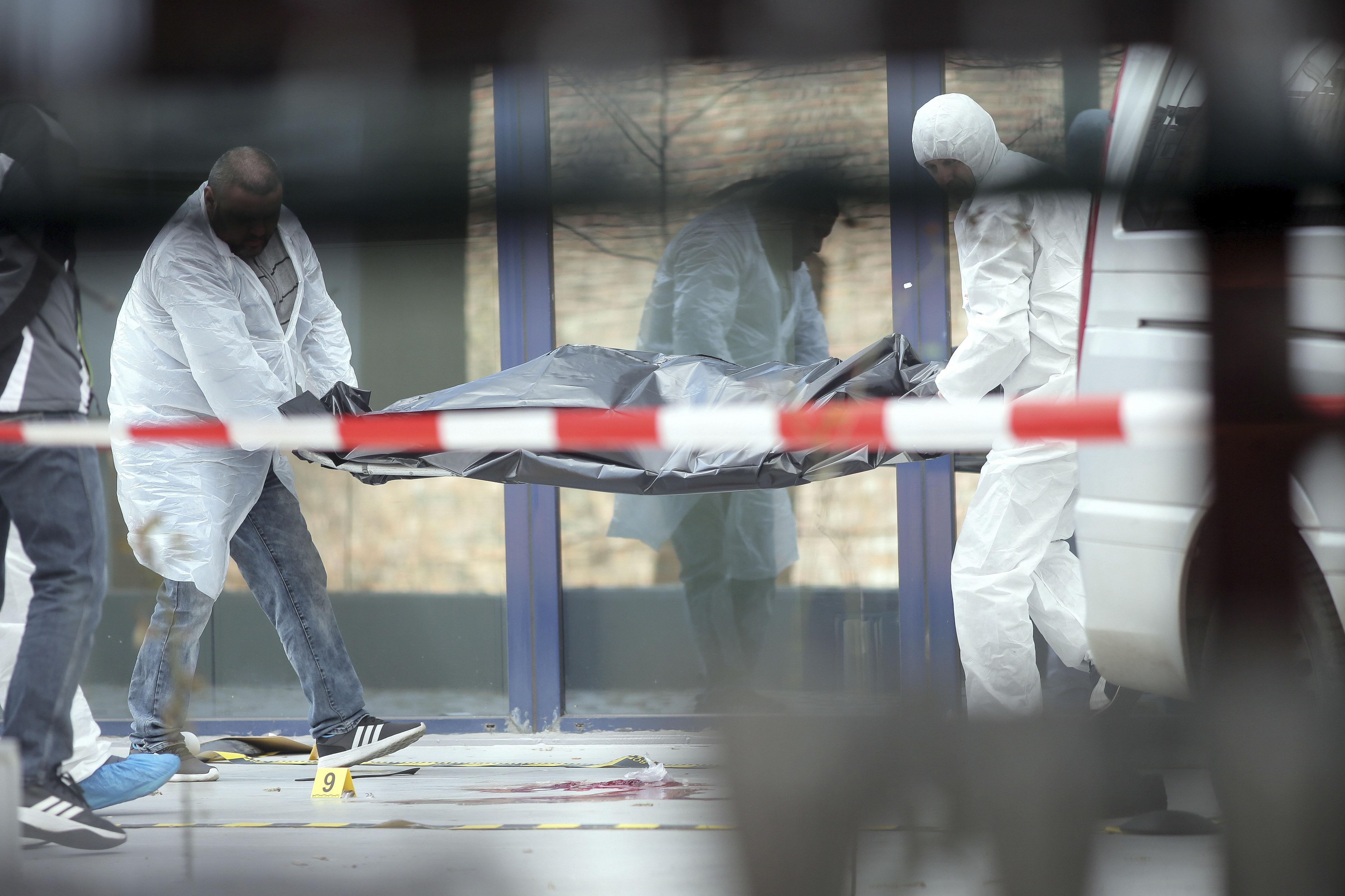 Sinucidere șocantă în Timișoara. A fugit gol de acasă în toiul nopții, a intrat într-un bloc și s-a aruncat de la etajul 6