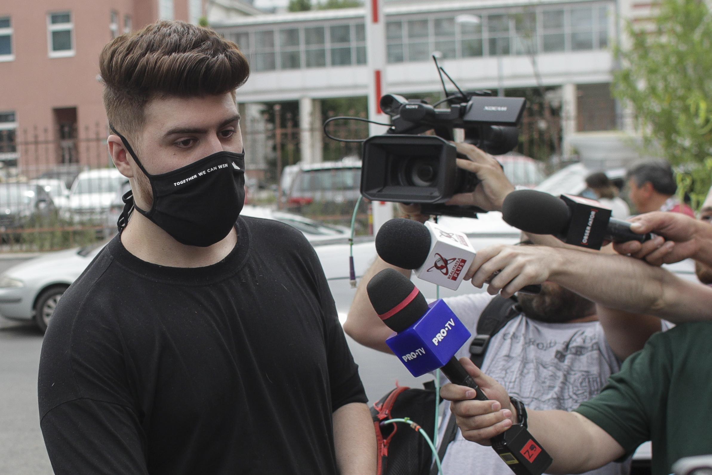 """Primul mesaj al vloggerului Alex """"Colo"""" Bălan după expirarea controlului judiciar"""