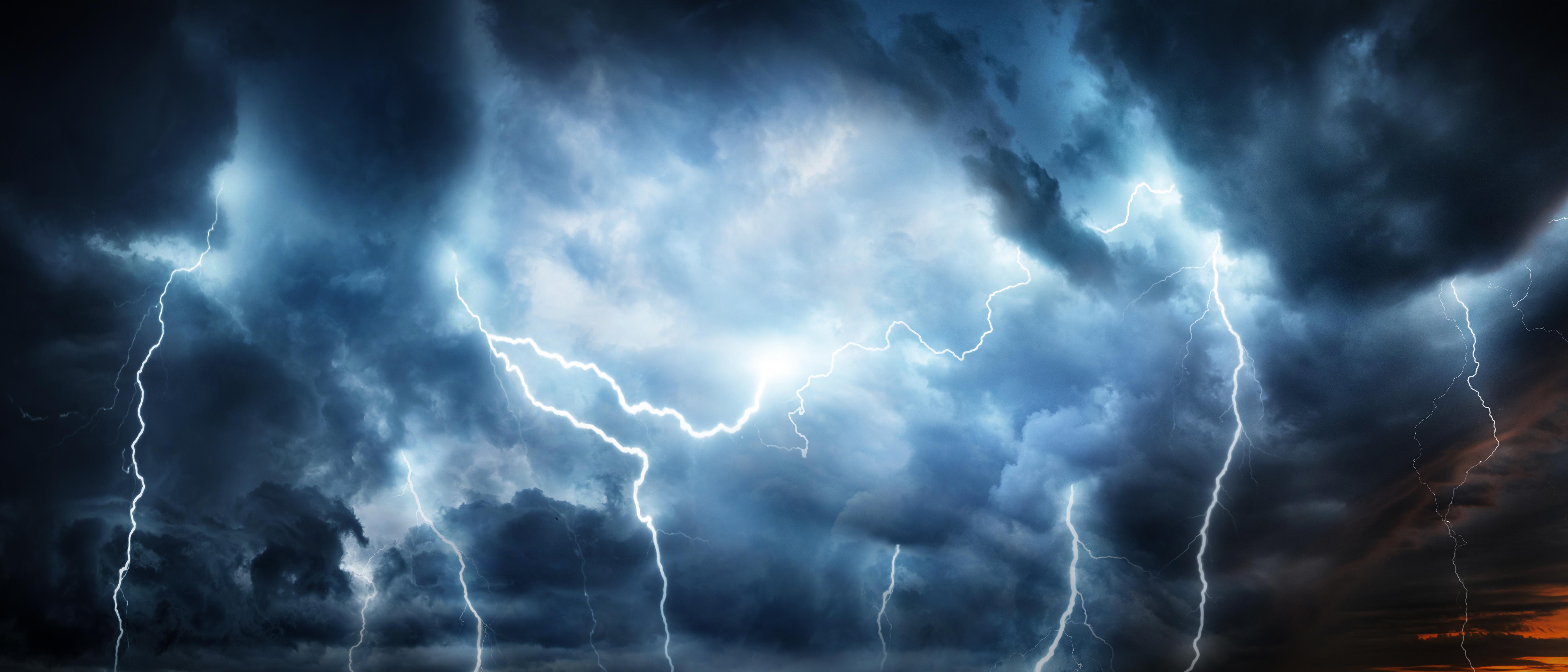 Vremea azi, 12 iunie 2021. Furtuni în mai multe zone, grindină în sudul Moldovei și în București