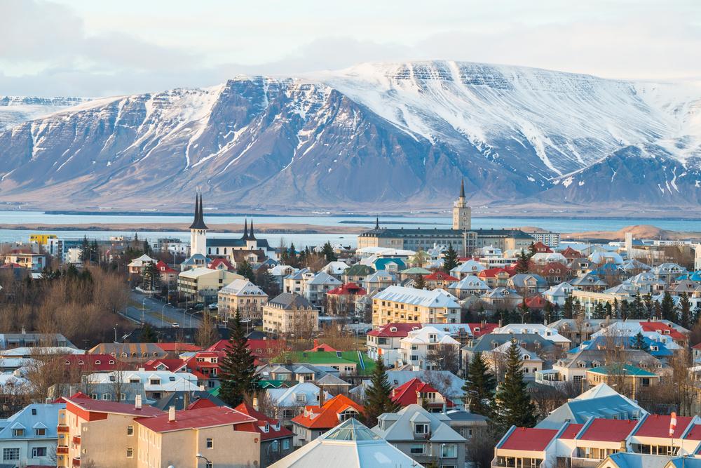 Islanda, printre puținele țări care nu vor să reia momentan vaccinarea cu AstraZeneca. Care e motivul