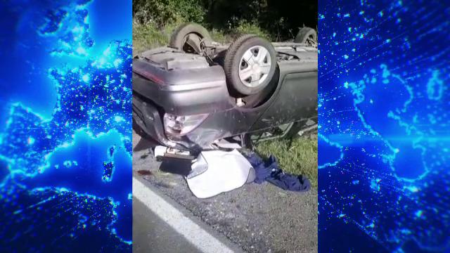 Accident în Argeș cu o mașină în care se aflau 7 persoane, printre care o femeie însărcinată. Șoferul era beat și fără permis