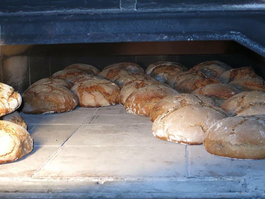 (P) Ce echipamente HoReCa sunt necesare pentru ca produsele brutăriei să se vândă ca pâinea caldă?