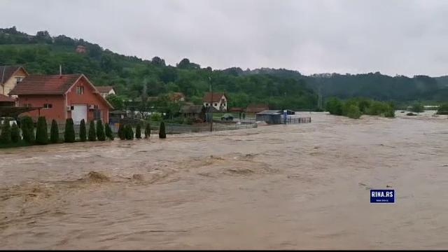 Codul portocaliu de inundaţii pe Prut și râuri din Transilvania şi Banat