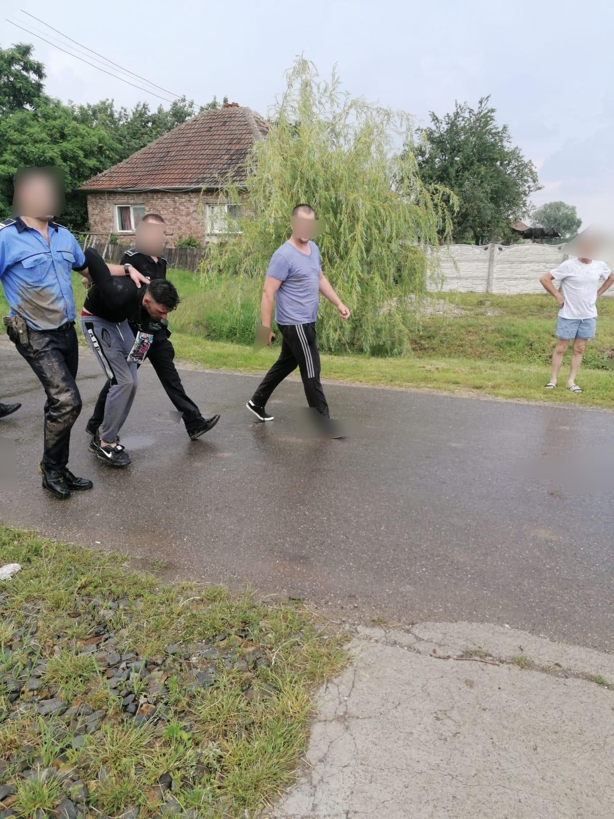 Deținutul din Satu Mare care a evadat de la un punct de lucru a fost prins de polițiști