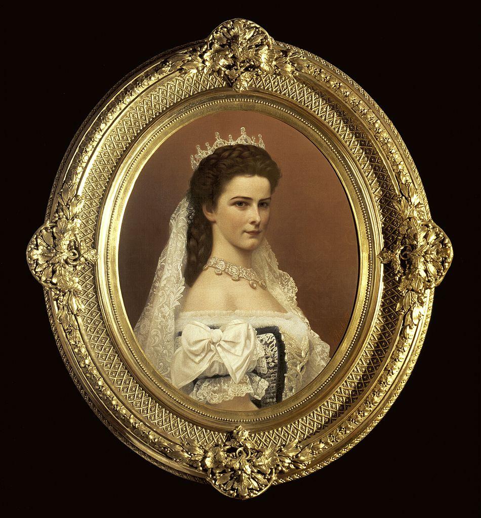 Lenjeria împărătesei Elisabeta a Austriei, scoasă la licitație. Ce preț au obiectele purtate de celebra Sissi VIDEO