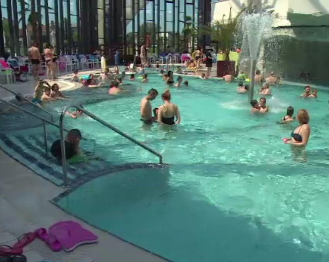 Complexurile cu piscine interioare au funcționat cu casa închisă în prima zi de ridicare a restricțiilor