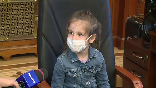 De Ziua Copilului, cei mici s-au plimbat cu avionul și au fost în Parlament. Ce legi au dat
