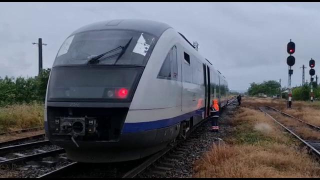O femeie a murit după ce maşina pe care o conducea a fost lovită de un tren în județul Mureș