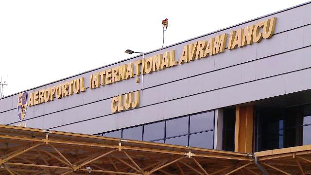 Patru persoane, depistate pe aeroportul din Cluj cu teste Covid-19 false. Ce pedeapsă riscă