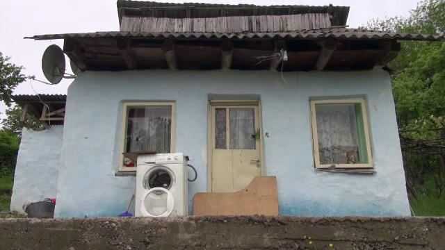 Un tânăr de 22 de ani din Buhuși și-a ucis tatăl în bătaie și l-a îngropat în curtea casei