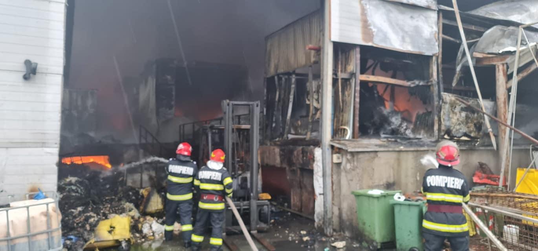Pompierii au găsit oase și un craniu în incendiul de la Brazi. Autorul ar fi suferit din dragoste